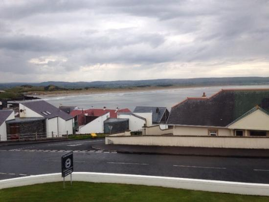Strandeen Bed and Breakfast: View to Portstewart Strand