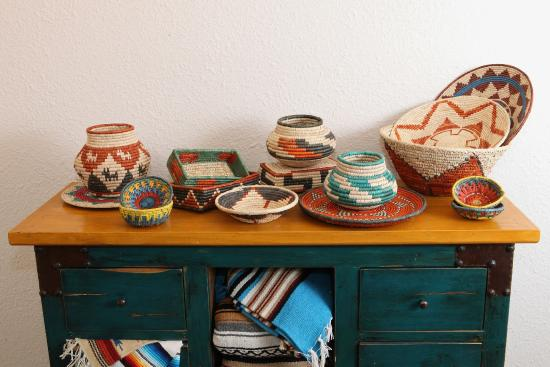 El Paso Saddleblanket: Hand Woven Baskets, Hand Crafted Furniture, And  Southwest Blankets