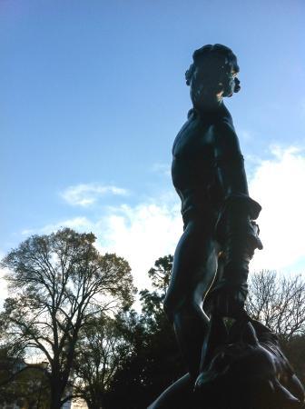 Flagstaff Gardens: A beautiful Statue near the playpark