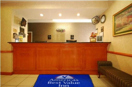 Americas Best Value Inn & Suites Carrollton: Lobby