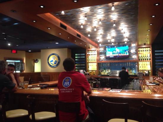 Outback Steakhouse: Bar Area inside