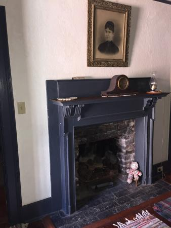Country Victorian: King suite fireplace