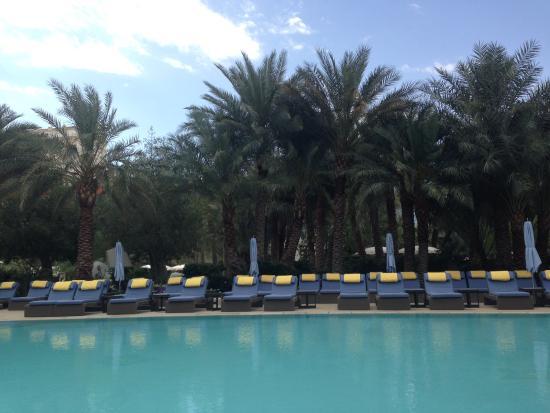 Sky Pool loungers - sky pool - picture of aria sky suites, las vegas