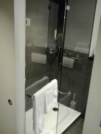 Park Hotel Winterthur: Die Dusche
