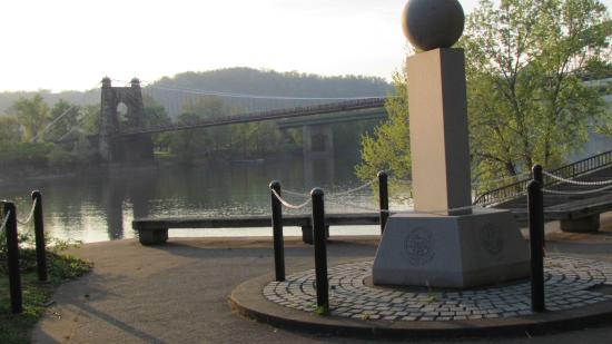Comfort Inn Saint Clairsville : Oldest suspension bridge in USA, and the riverfront