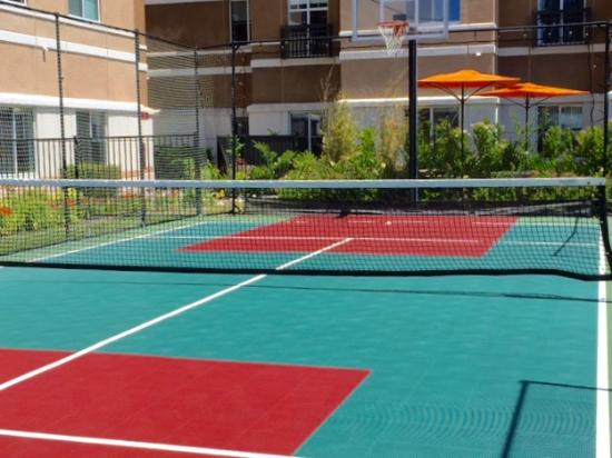 HYATT house Pleasant Hill: Athletic court