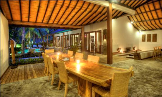 ذا تراوانجان ريزورت: Living room of 4-bedroom villa