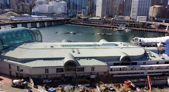 Novotel Sydney on Darling Harbour : View from room 940 - Harbour View room-construction site/end of Harbour