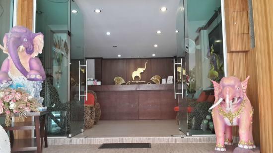 The Nine Hotel @ Ao Nang: The Hotel Lobby