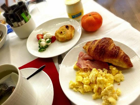 Hotel Hor: 早餐