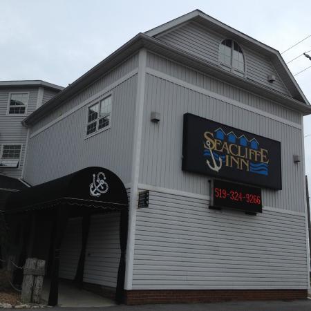 Seacliffe Inn: The Seacliff Inn