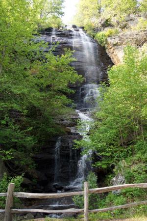 Columbus, NC: Shunkawauken Falls