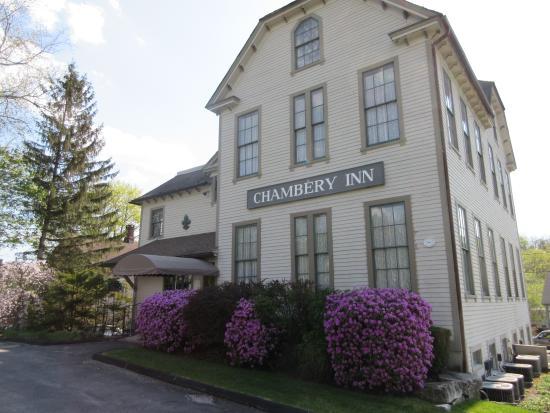 Chambery Inn: Old School House turned Inn! Unique!