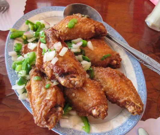 Tang's Chinese Restaurant : Chicken wings