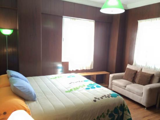 Chillout Flat Bed & Breakfast: Sor Juana King Room