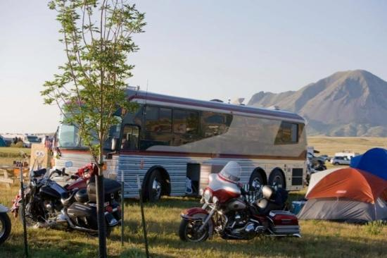 Broken Spoke Saloon and Campground