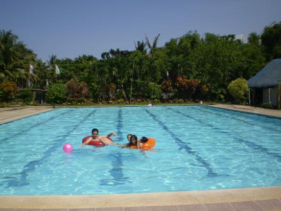 Canonoy Beach Resort: Large pool, good for swimming laps