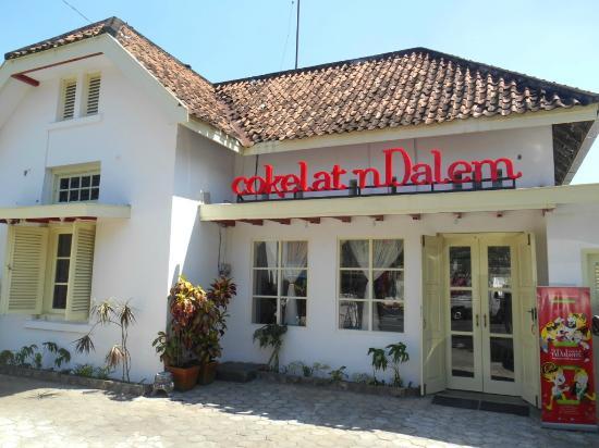 Gerai & Museum Cokelat nDalem: Bagian depan Museum Cokelat nDalem