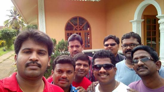 Lakshmi Hotel & Resorts: Fell Tooooo Good