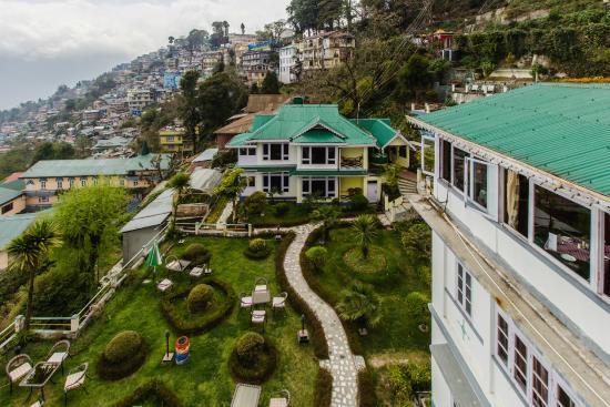 Central Nirvana, Darjeeling
