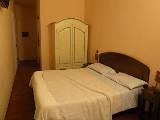 Sa Domu Cheta: La chambre, à comparer avec celle du site...