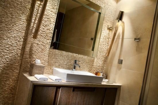 Sani Asterias: Bathroom