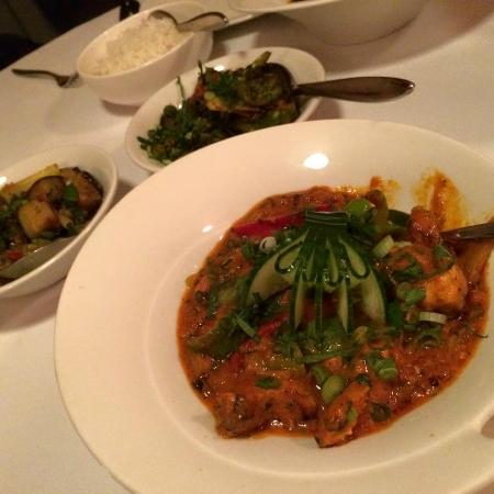 Spice Lounge Wargrave: Chicken Chilli Masala and a couple of vege delishes