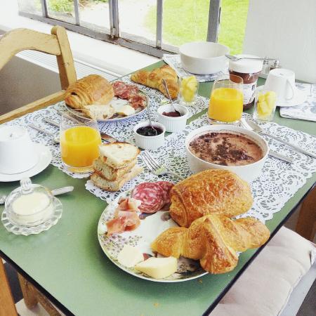 Manoir du Moulin : Le petit-déjeuner