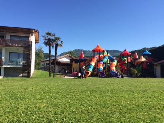 Camping Isolino Villaggio : Jeux pour enfants