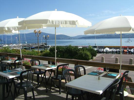 Le Calypso: Terrasse du restaurant par une belle journée