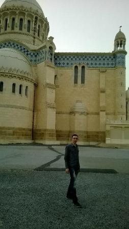 الجزائر العاصمة, الجزائر: Buitenkant kerk