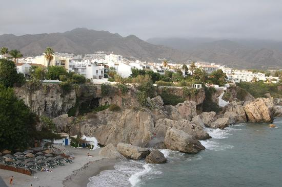Hostal Nerjasol: Пляж Нерхи