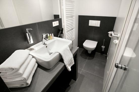 LINDEMANNu0027S: Badezimmer Deluxe Plus Zimmer