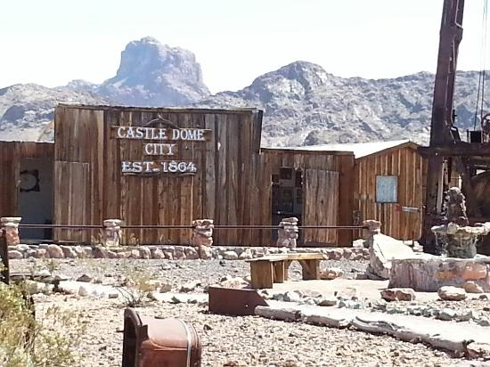Yuma, AZ: Castle Domes Mine