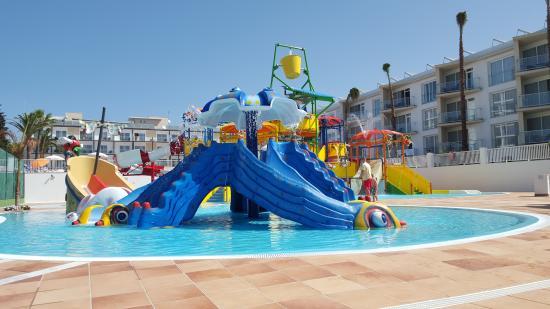 Globales Playa Estepona : great splash  park