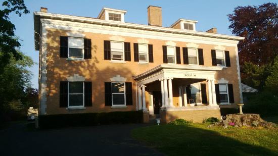 Wayside Guest House: Vue de Bellevue Avenue