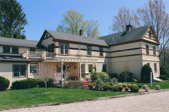 1802 House Bed and Breakfast: 1802 House