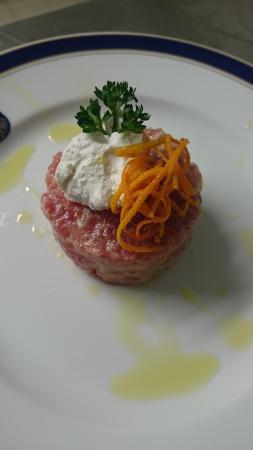 Hotel Baia D'Oro : tartare di tonno siciliano con ricotta di bufala campana