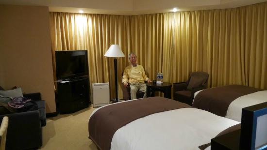 jr tower hotel nikko sapporo corner twin beds room