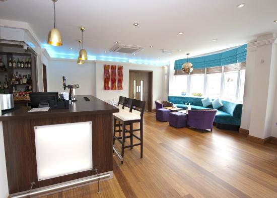 Marsham Court Hotel: Bar