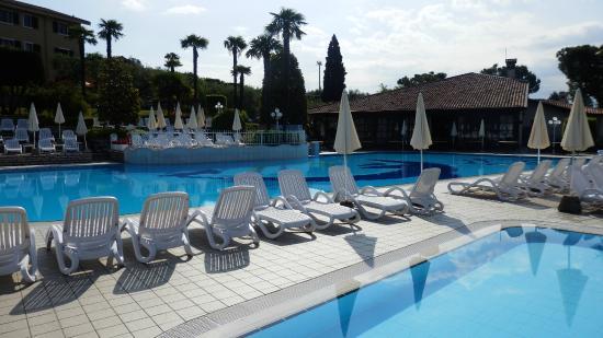 Appartamenti Arca & Ca' Mure: Детский бассейн, основной бассейн, ресторан