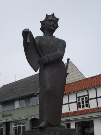 Statue Af Kong Valdemar Sejr