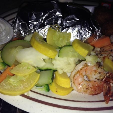 Grilled shrimp and veggies