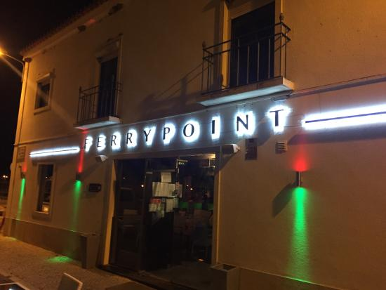 Pink Flamingo Bar: Now Ferry point bar, Tavira