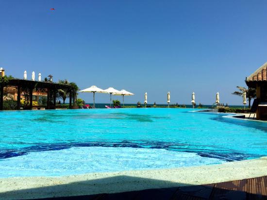 Aroma Beach Resort Spa Muine бассейн