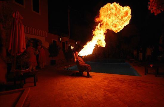 Les Borjs de la Kasbah restaurant: Fire breather for gala dinner night
