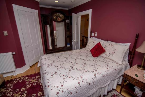 Bayberry House Bed & Breakfast: Room #5