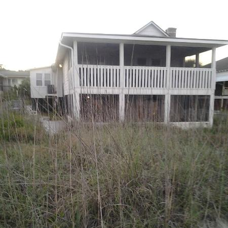 Tybee Cottages: Front view of rental