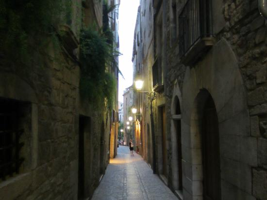 Hotel Historic : Evening in the medieval quarter of Girona