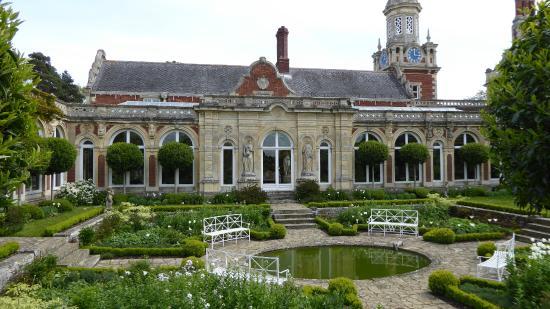 Somerleyton Hall and Gardens: Sunken Garden